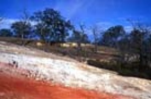 The red and white soils at Burning Mountain