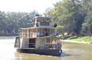 The Emmylou Paddlesteamer coming down the Murray River