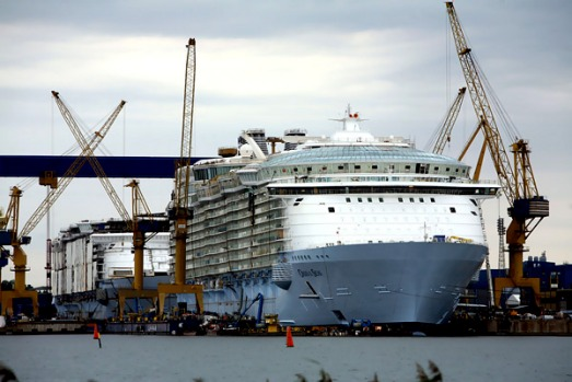 Royal Caribbean's schedule has the first Oasis cruise starting in early December in Fort Lauderdale, Florida, with ports ...