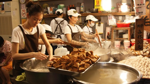 Still a favourite among travellers: Night food markets in Taipei.
