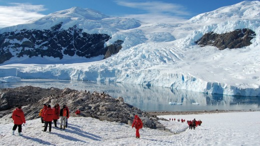 Hiking in Greenland with Ponant.