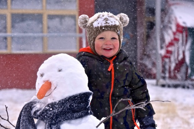 It's snowtime in the Alps, Byron 2, plays in the winter wonderland of Falls Creek today. A series of cold fronts dipped  ...