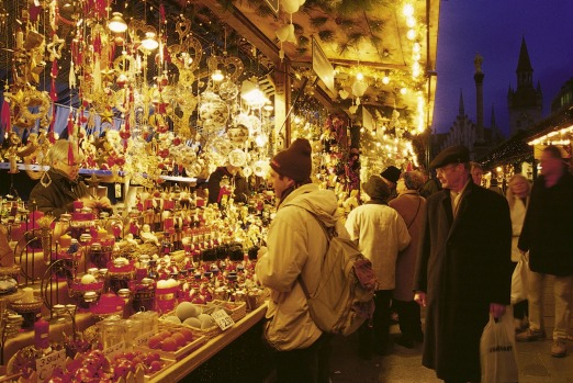 Browsing the stalls of the Christmas market in Munich.    GER 2270x.jpg