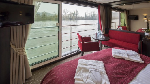 Most suites have floor-to-ceiling windows.