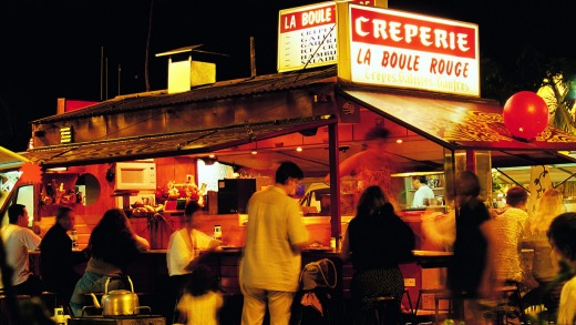 Open-air dining at Les Roulottes, Papeete.