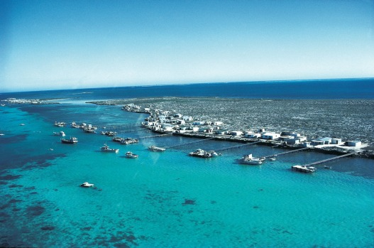 HOUTMAN ABROLHOS ISLANDS, WESTERN AUSTRALIA: Murder, mutiny and mayhem were the order of the day in 1629, when the Dutch ...