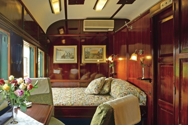 A deluxe suite on board the Pride of Africa train.