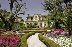 The gardens and main building of the Jose Maria Da Fonseca winery and museum.