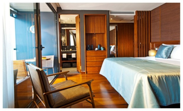 Aqua Expeditions, Aqua Mekong design suite with balcony.