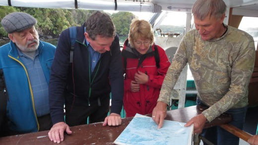 Skipper Phillip Smith explains the route our kiwi-spotting trip will take.