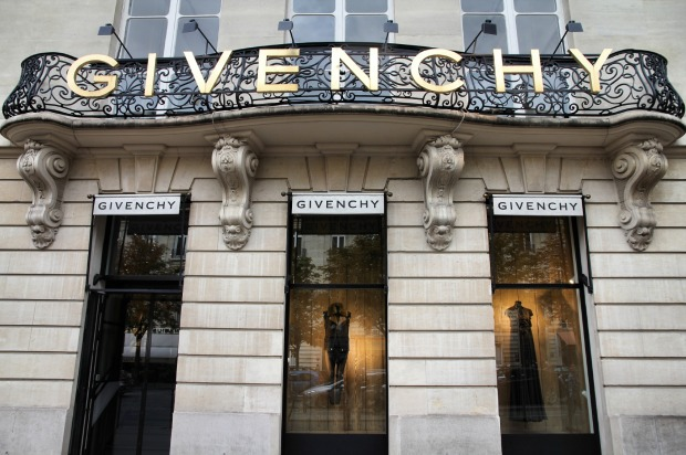 7. SHOP. It could be those entrancing shop-window displays - or all the chic, stylish characters you pass on the street. ...