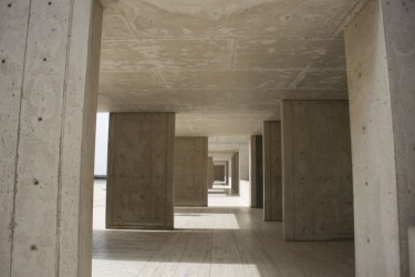 Visiting the Salk Institute by renowned Louis Kahn facing the Pacific Ocean in California lends incredible opportunities ...