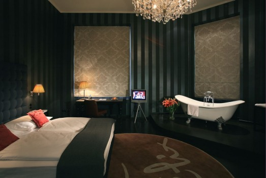 Hotels with erotic rooms