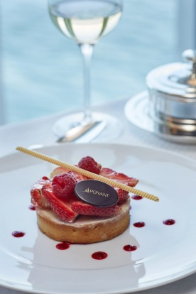 Dessert in the main Deck 2 dining room. L'Austral's menu offers top-quality French dining.