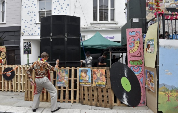 Europe's biggest street party: Notting Hill Carnival 2015 ...