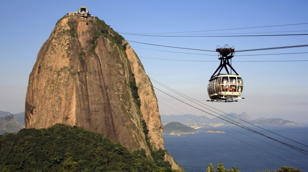 Sugarloaf is the second of Rio's twin peaks.