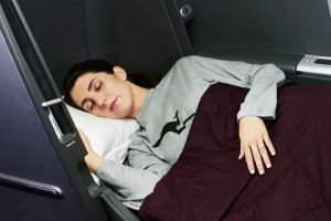 Qantas 747-400 business class: A fully-flat bed makes all the difference.