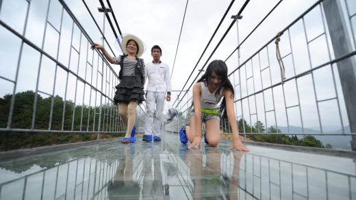 park management authorities added a small section of glass last year but decided to transform - Zhangjiajie Glass Bridge
