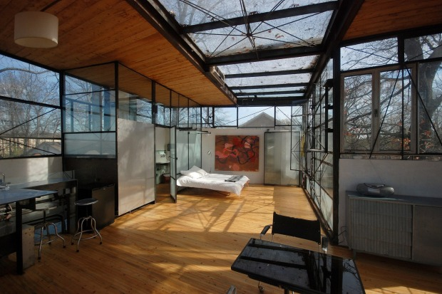 Modern Glass Treehouse in Atlanta, US.