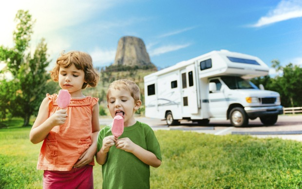 Driving a motor home through the United States: See the colourful canyons of Arizona, the bright lights of Vegas, and ...