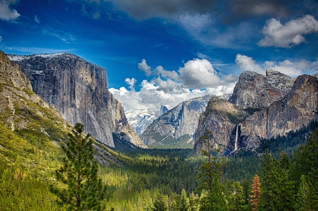 The view of the Yosemite National Park in California - the eighth most checked-in place.