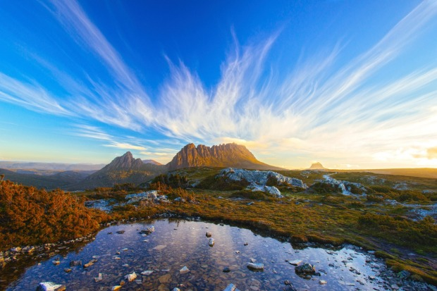 Tasmanian wilderness: Barn Bluff at Cradle Mountain Lake, St. Clair National Park in Tasmania.