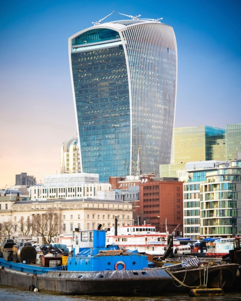 The 'Walkie Talkie', 20 Fenchurch Street, London: Gee, the Brits really hate this quirky building, voting it the ugliest ...