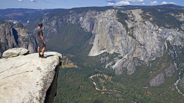 View from Taft Point over the Yosemite Valley and El Capitan.
