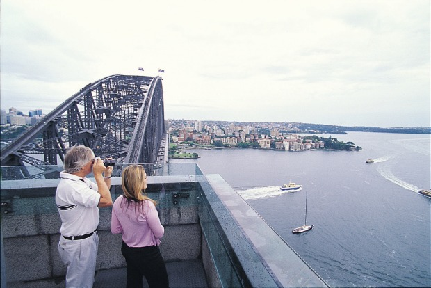 Panoramic views of Sydney: The Pylon Lookout.