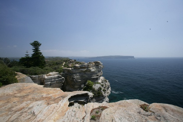 Crashing surf, majestic sandstone formations, and peaceful clifftop reserves: Watson's Bay.