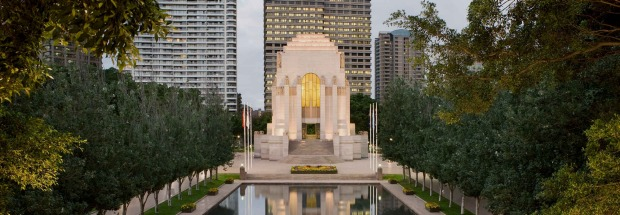 The ANZAC Memorial in Hyde Park has a mini museum inside.