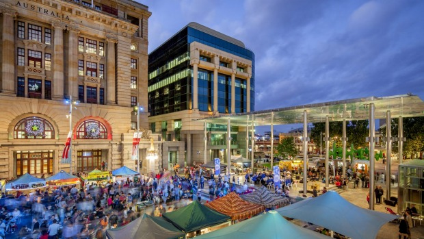 Friday Night Hawkers Market, Forrest Chase in Perth.