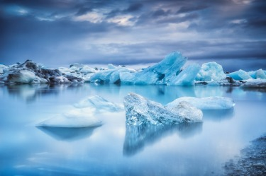 Jökulsárlón, Iceland: Even in a country known for giving good landscape, Iceland's Jökulsárlón lagoon takes your breath ...