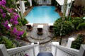 Reef House Palm Cove: a gracious, plantation-style resort.