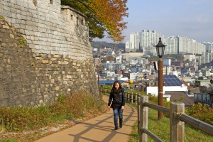 Walking trail along Seoul's City Wall.