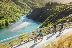 Queenstown is easy to explore on a bike. Surrounded by stunning mountain ranges, this trail covers diverse terrain ...