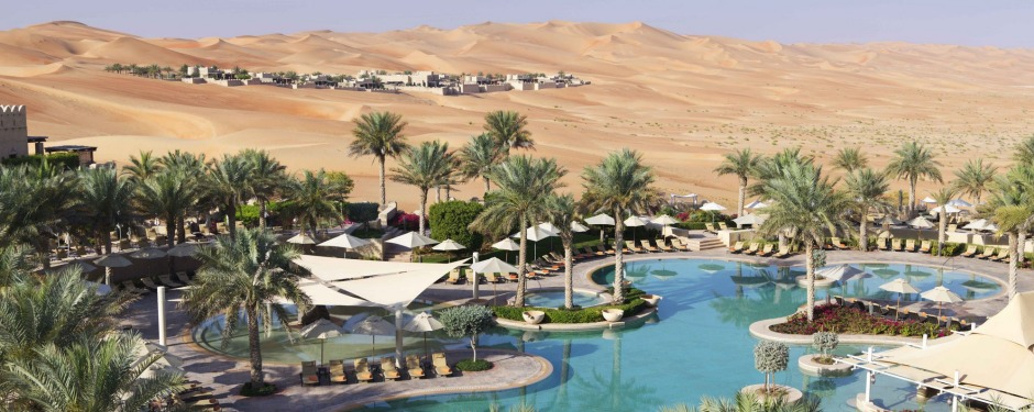 sublime desert settings: Qasr Al Sarab.