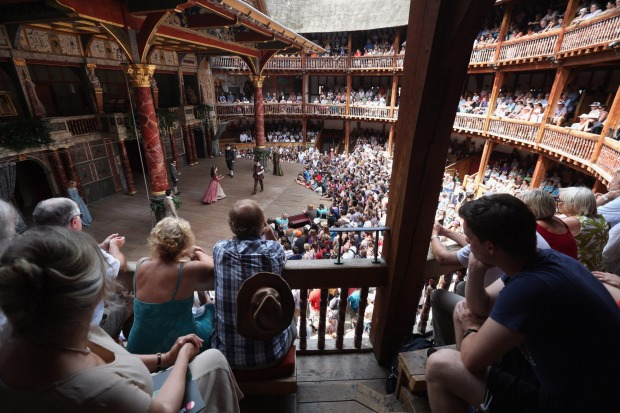 elizabethan theatre audience - photo #9