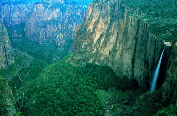 Copper Canyon (Mexico): Head around 1000 kilometres south from the Grand Canyon and you come to the edge of Copper ...
