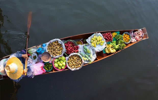 When visiting a floating market whilst in Bangkok most travelers go to the touristy Damneon option. This is a mistake, ...