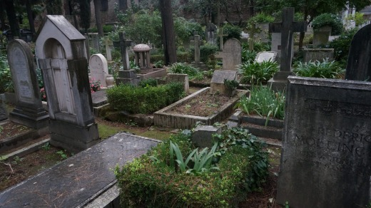 Bertram Whiting's grave, centre.