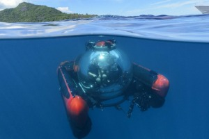 Crystal Esprit's mini submarine takes three people down to about 300 metres.