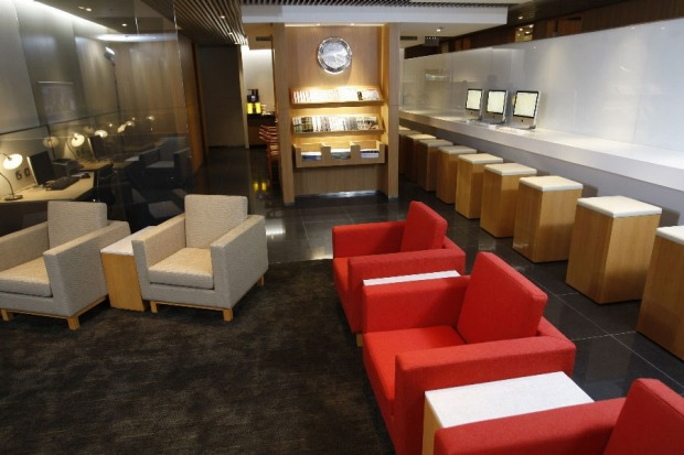 Cathay Pacific's Hong Kong arrivals lounge is small but ticks all the boxes for the weary business traveller.