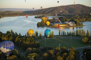 Have a hot air ballooning adventure in Canberra.