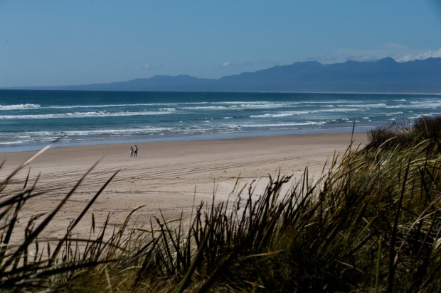 A few minutes drive from Strahan, Tasmania is the famous Ocean Beach with a huge expanse of sandy beach and views of the ...