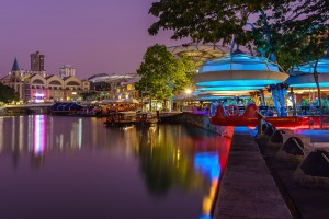 Clarke Quay  Singapore twilight cycling tour.