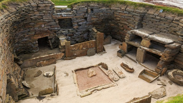 Excavations of primeval dwelling and stone furniture in the prehistoric Neolithic village.