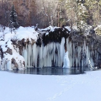Hanging Lake in Winter #colorado #misssnowitall #skimaxholidays