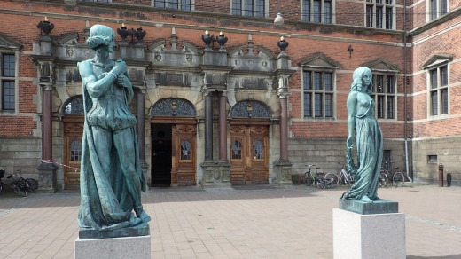 Statues of Hamlet and Ophelia.