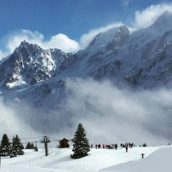 In Come The Clouds #chamonix #skimaxholidays #misssnowitall.jpg